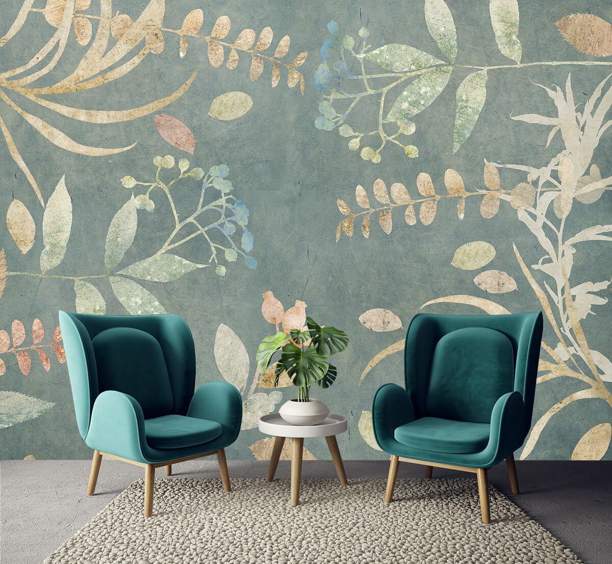 Stylowo urządzony salon z tapetą we wzory botaniczne