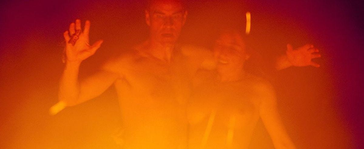 Une danse près du feu dans Alléluia