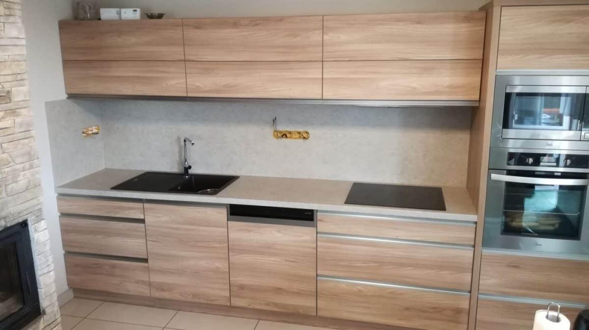 Jednoduchá a funkční kuchyňská linka 2