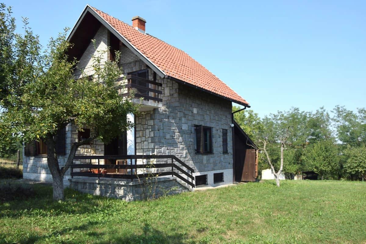 продается дом на окраине Лозницы