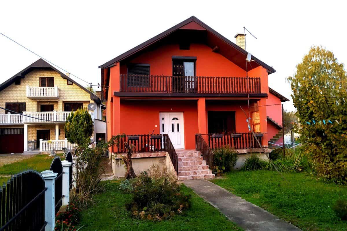 благоустроенный дом в Бане Ковиляче