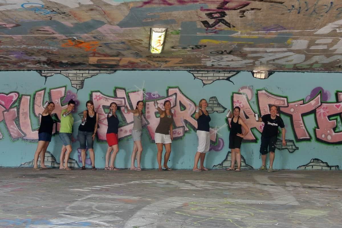 """Graffiti Junggesellenabschied """"happily ever after"""" in Stuttgart Bad Cannstatt! Ein Junggesellenabschied muss nicht immer mit peinlicher Verkleidung enden!"""