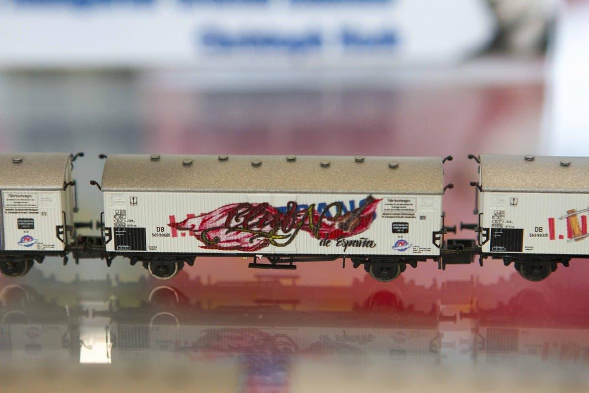 Graffiti Gestaltung Modelleisenbahn Modell & Technik Messe 2019! Chris realisierte sechs Motive die via Digitaldruck auf die Wagen angebracht worden.