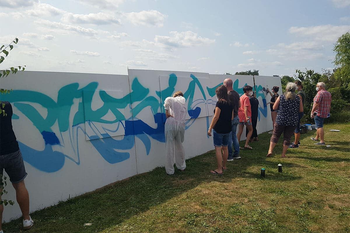 Für die Physiotherapie und Krankengymnastikpraxis Physio Plus aus Rottenburg-Ergenzingen haben wir vor Ort ein cooles Graffiti Team Event organisiert.