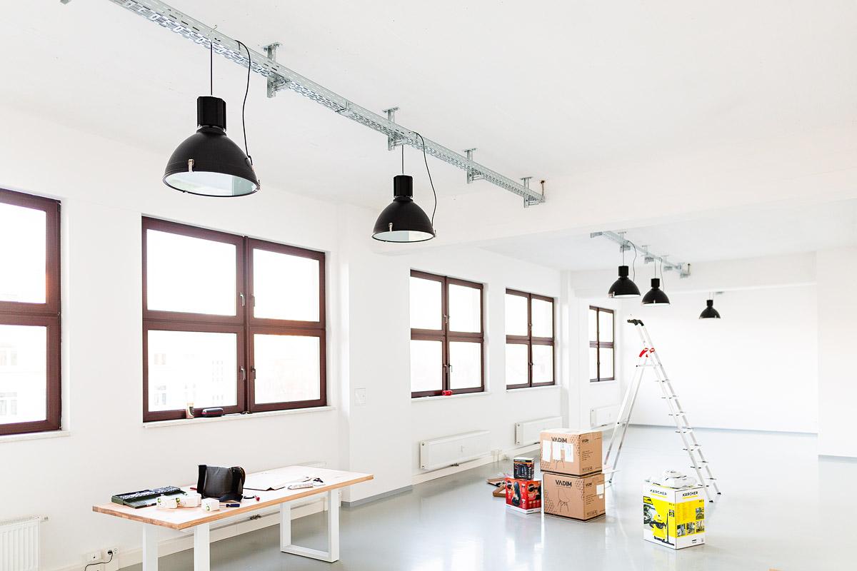Fotostudio dresden, mietstudio dresden, veranstaltungsraum dresden, seminarraum dresden, lampen-2