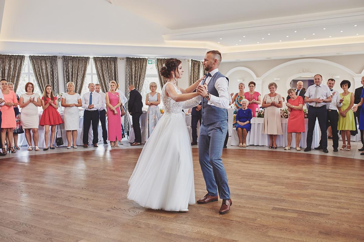 Skrót z reportażu ślubnego w Dworku Broniszówka 80