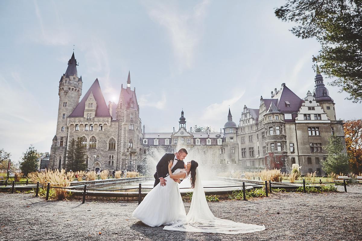Plener ślubny na zamku w Mosznej 26