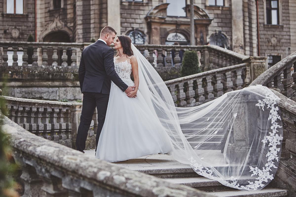 Plener ślubny na zamku w Mosznej 33