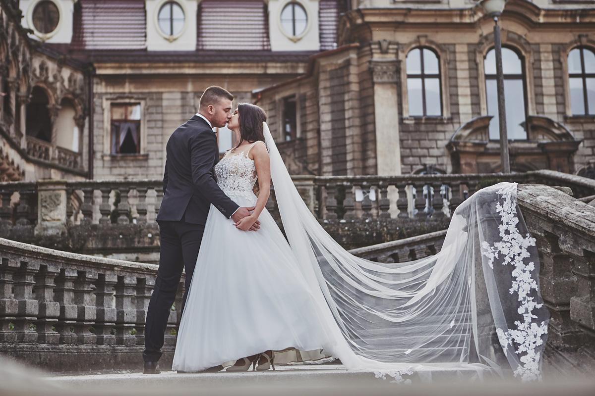 Plener ślubny na zamku w Mosznej 34