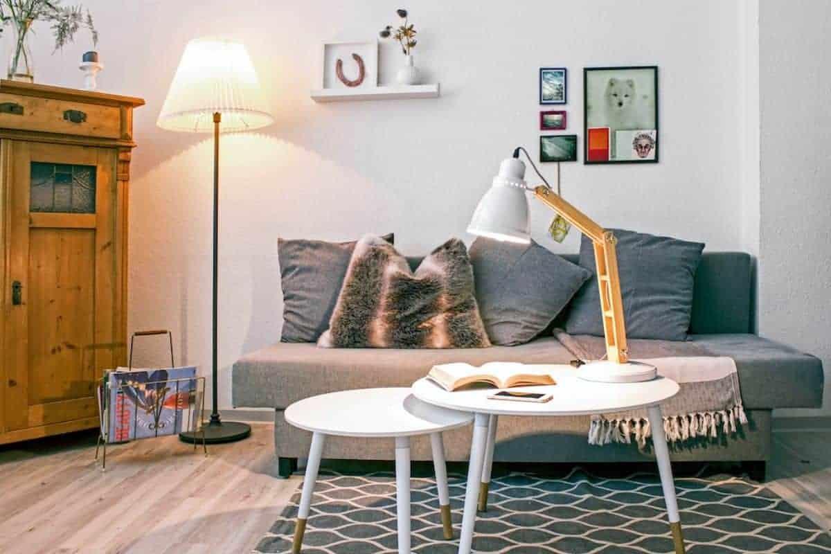 Wohnzimmer mit LED-Beleuchtung