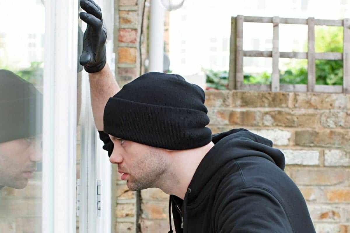 Einbruchhemmende Fensterbeschläge schützen das Hab und Gut