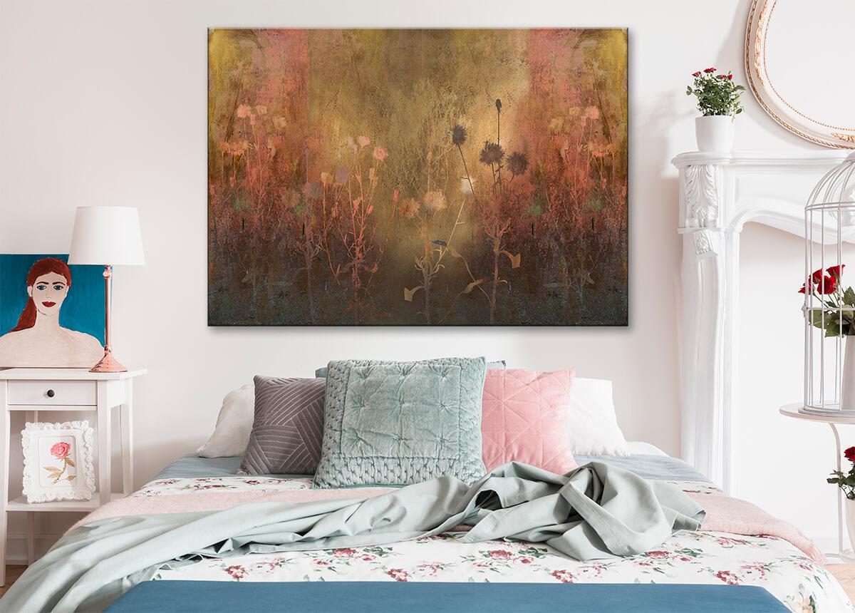 modna sypialnia - obraz z kwiatami