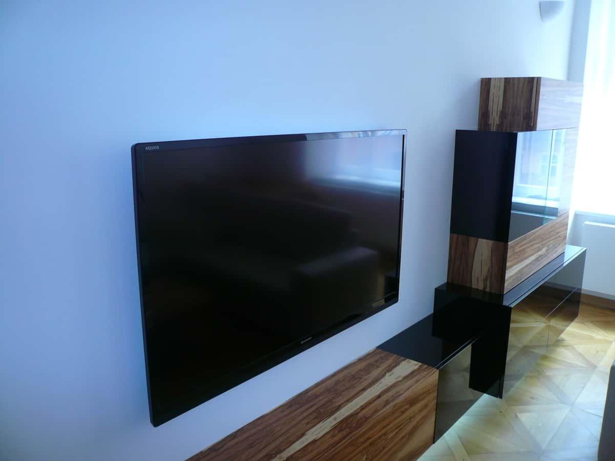 Obývací pokoj - televizní stěna a stolek 9