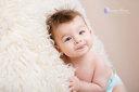 Bébé de 7 mois photographié en studio à Dijon- tire la langue