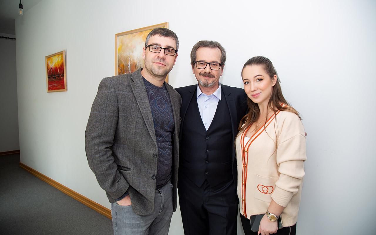 Elvira Gavrilova, Bogdan Terzi and actor Oleg Symonenko, who played the head waiter