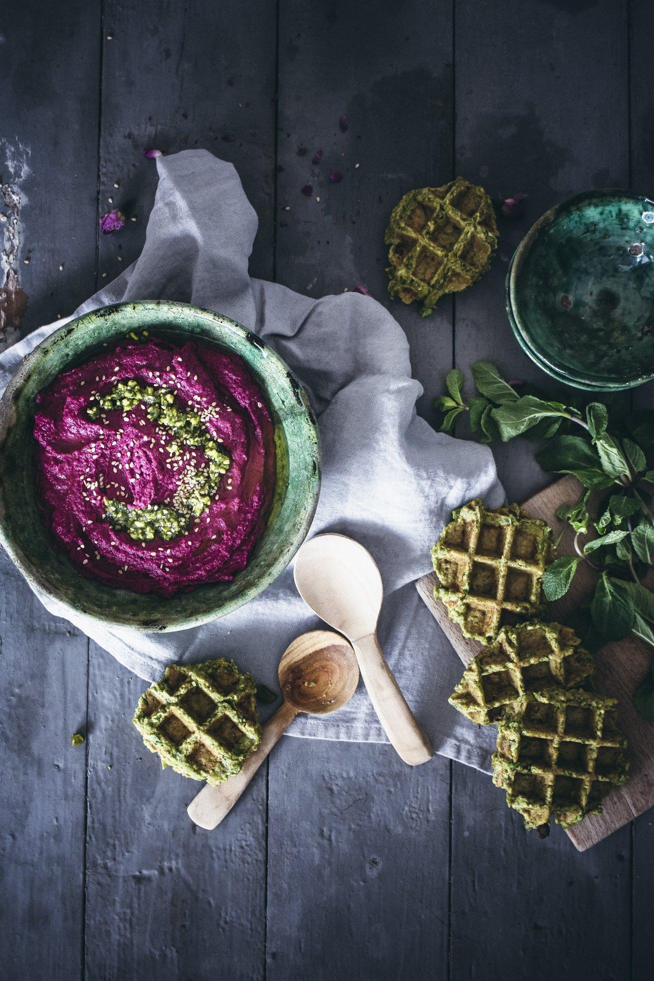 Fawaffeln, Rote Beete Hummus und Pistazien-Minz Pesto