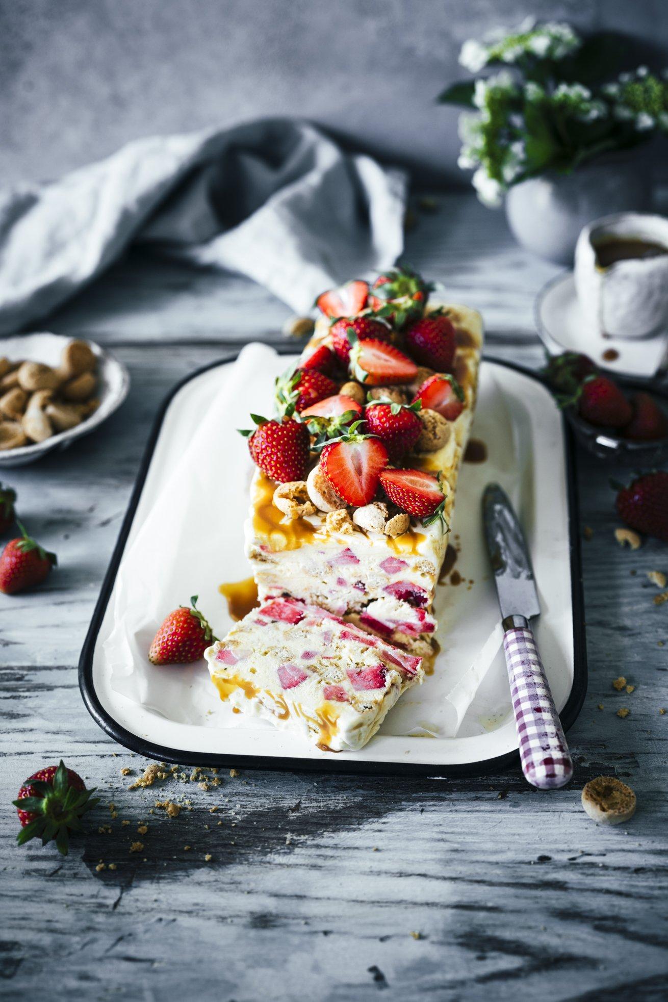 Semifreddo mit Erdbeeren