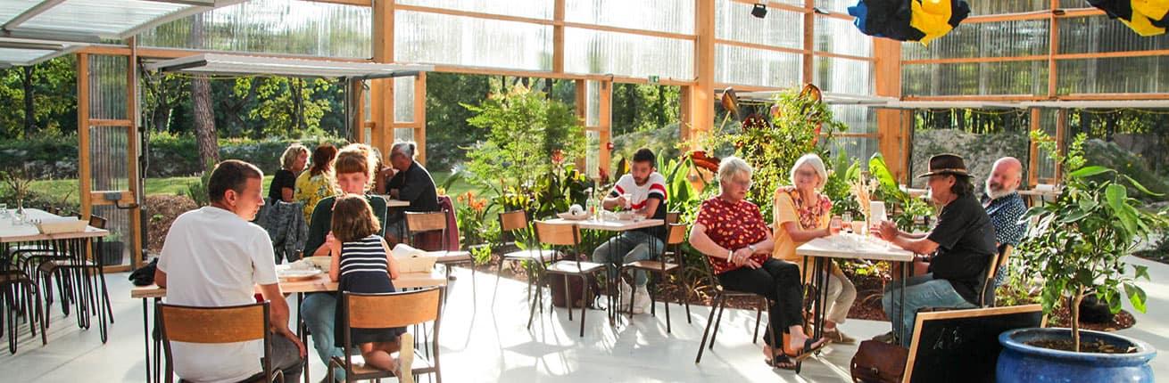 Restaurant La Belle Folie sous la serre du jardin botanique