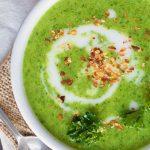 Крем-суп из брокколи со сливками и гренками