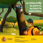 Transición Ecológica pone en marcha una campaña para que la gente no abandone mascarillas en espacios naturales