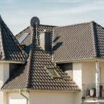 Ein Zeltdach als Dachform an einem luxoriösen Haus