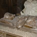 Adel, Burgen & Friedhöfe: Pomp für die Ewigkeit