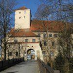 Umbau von Schloss Friedberg gestoppt: Rechtsstreit in Bayern