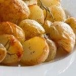 Krieltjes uit de oven met rozemarijn, knoflook en olijfolie