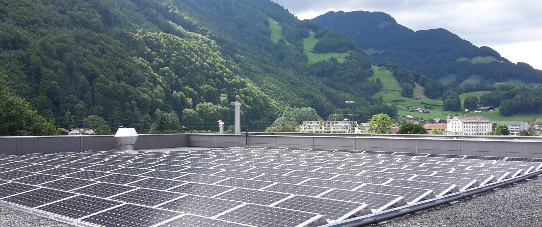 Einweihung Hybrid-PV-Anlage in der Linth-Arena 1