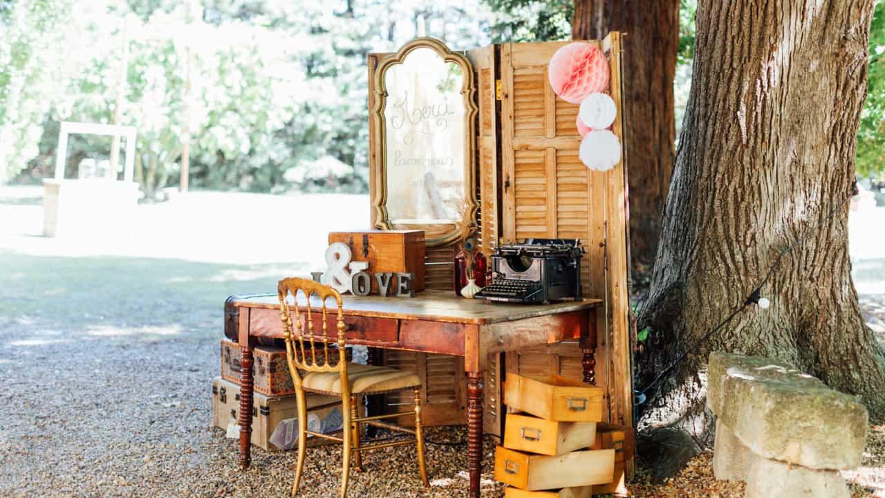 Decoration mariage exterieur livre d