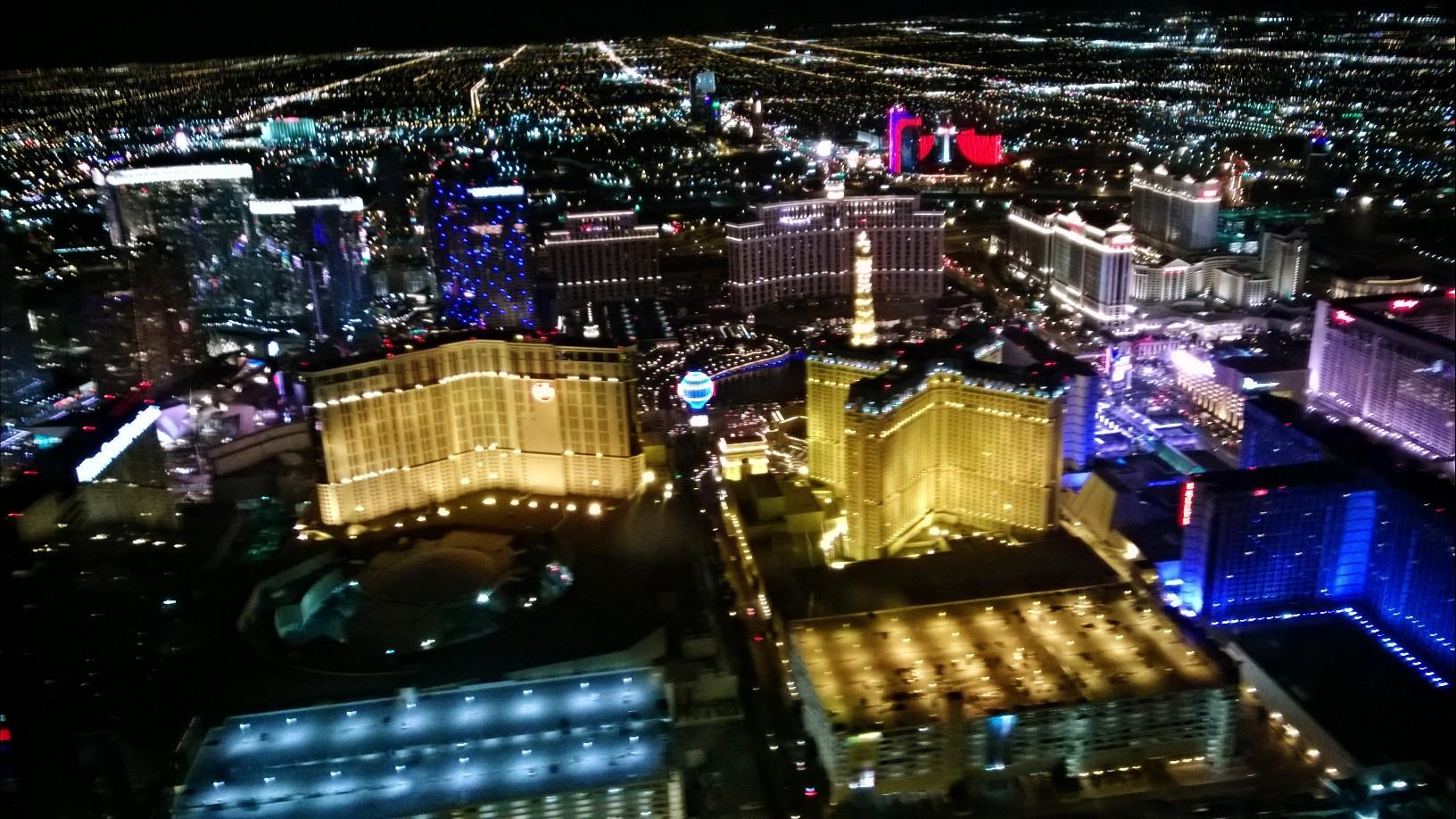 Las Vegas Strip aus der Luft vom Helicopter