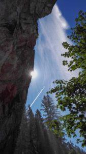 Sonnenstrahlen am Schleier Wasserfall