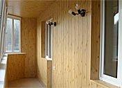 Отделать стены деревянной вагонкой