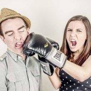 vrouw-slaat-man-waarom-relatie