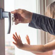 Erfahren Sie alles Wissenswerte über Fenstergriffe bei Tipp-zum-Bau