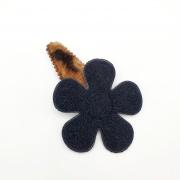 Leopard haarspeldje met zwarte bloem