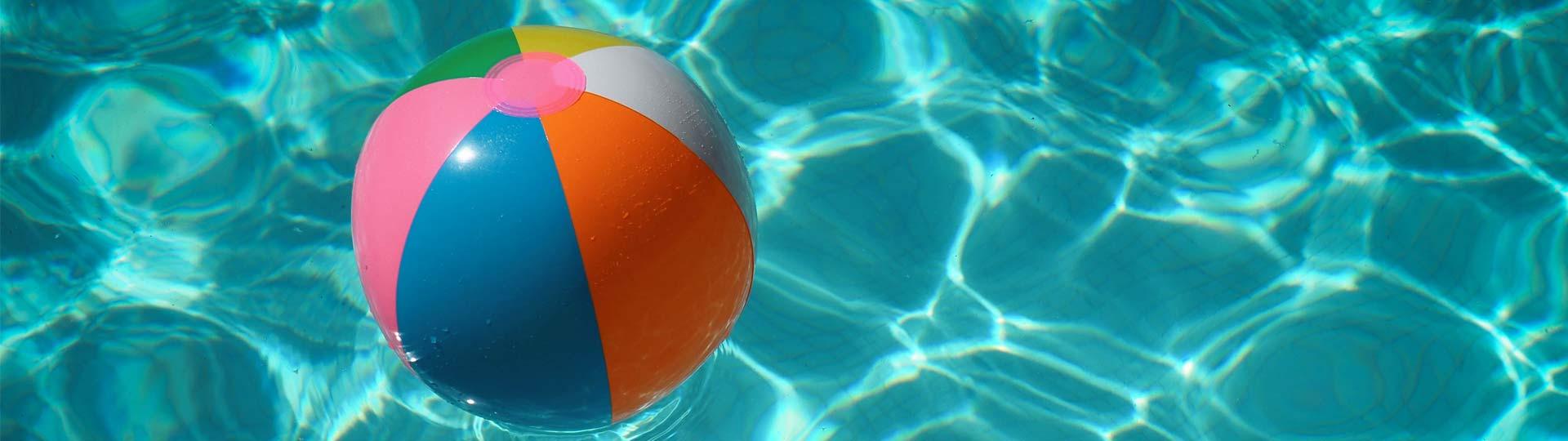 mejores-accesorios-piscina