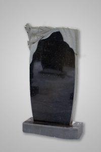 Памятник «Тюльпаны/драпировка»