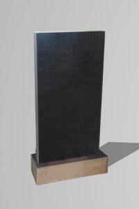 Памятник гранит «Прямой»