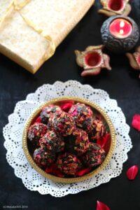 Sugar Free Dates, Rose and Pistachio Ladoos