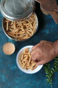 Air Fryer Jowar Chakli (Cholam Millet Mullu Murukku)