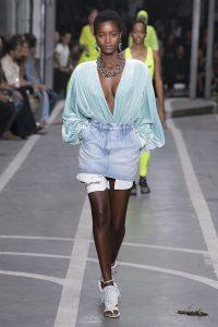 мода Выглядеть так, будто сошел с модных подиумов Милана или Парижа в московских джунглях?! w990 2 200x300