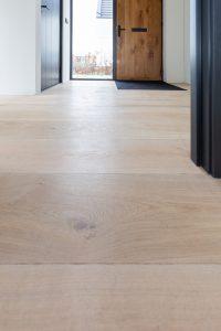 Planken vloer in hal