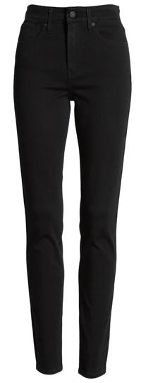 Levi's high waist skinny jeans | 40plusstyle.com