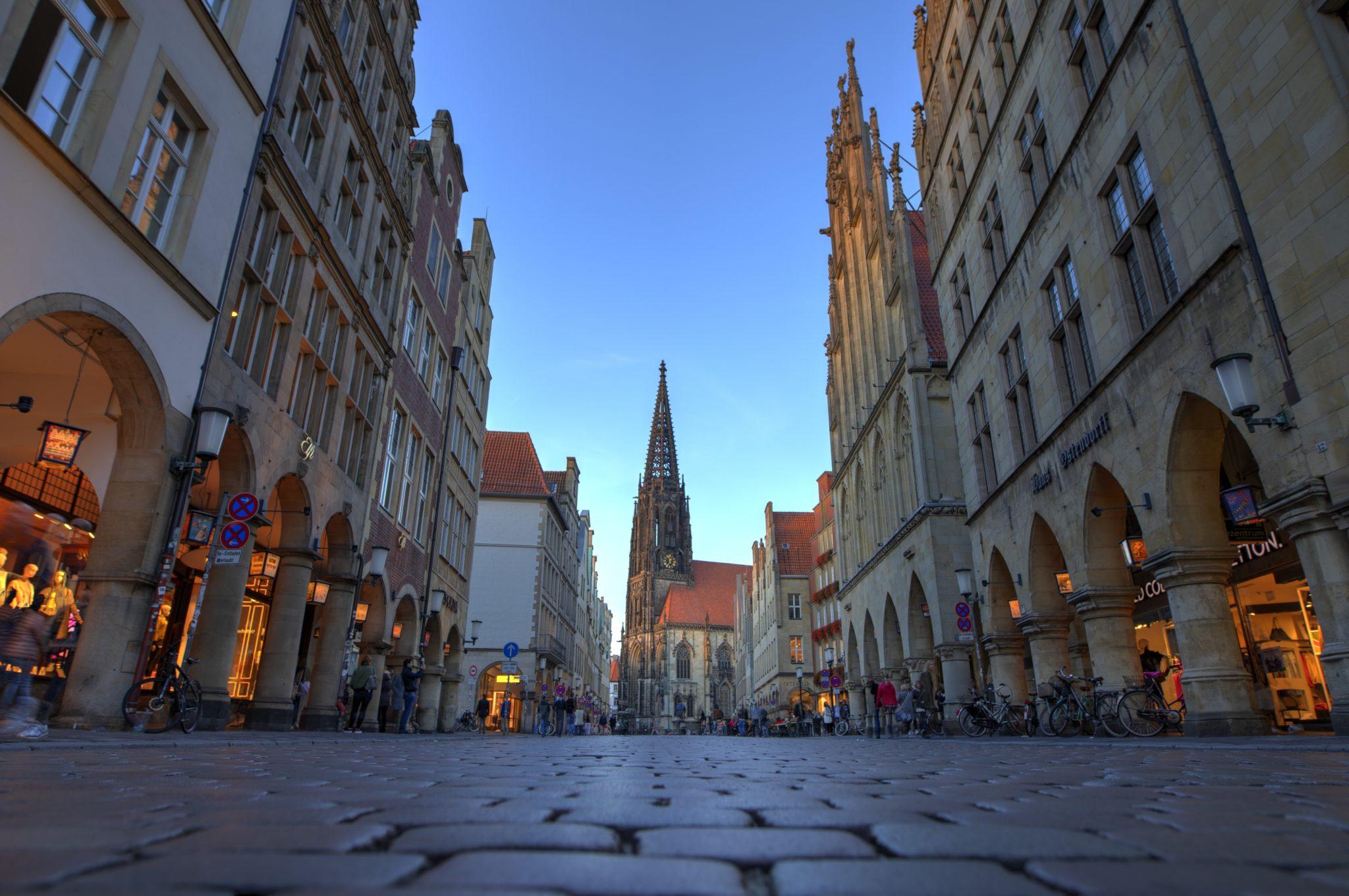 Der Prinzipalmarkt von Münster am Abend