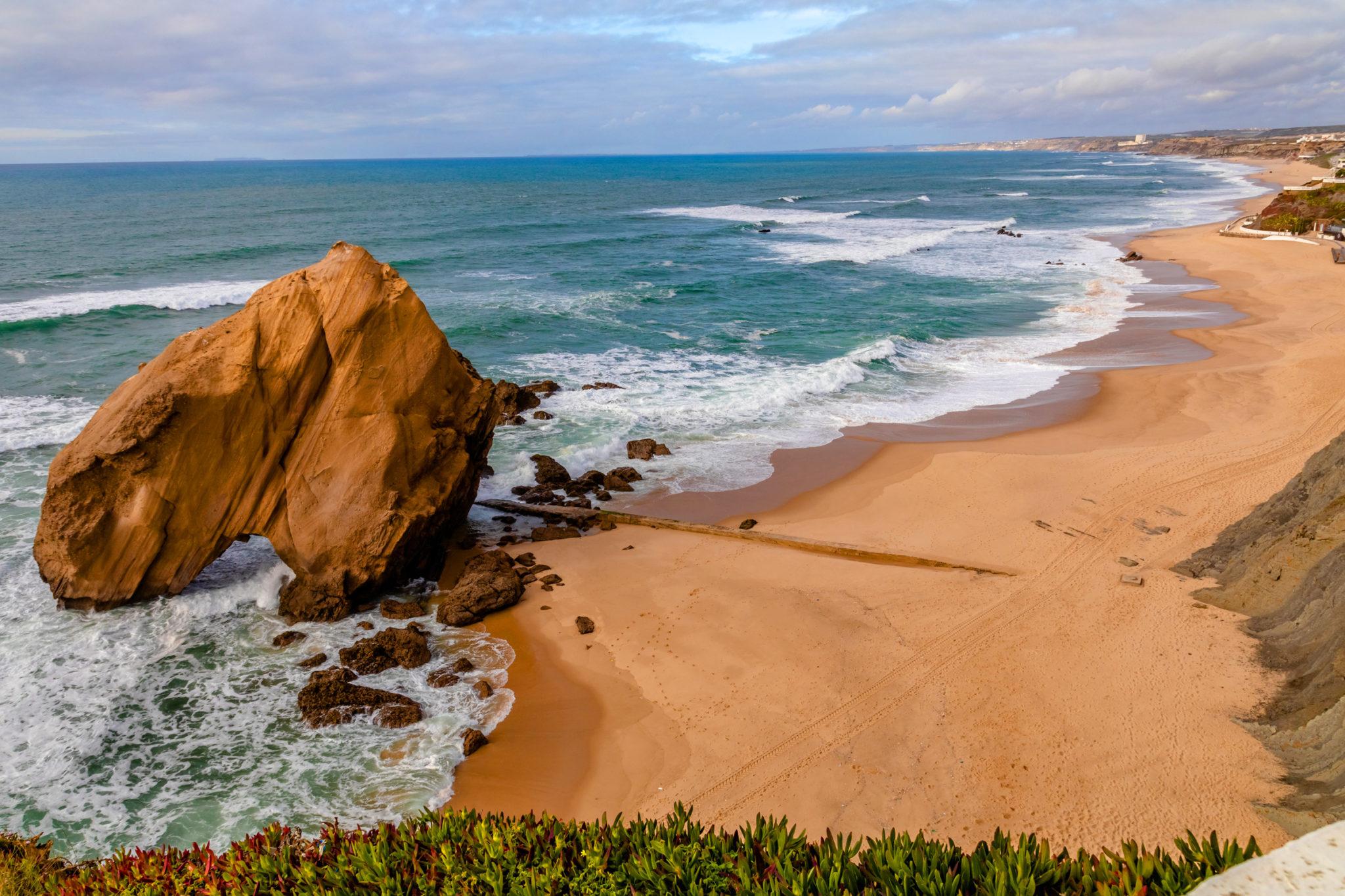 Perfekte Wellen am Strand von Santa Cruz