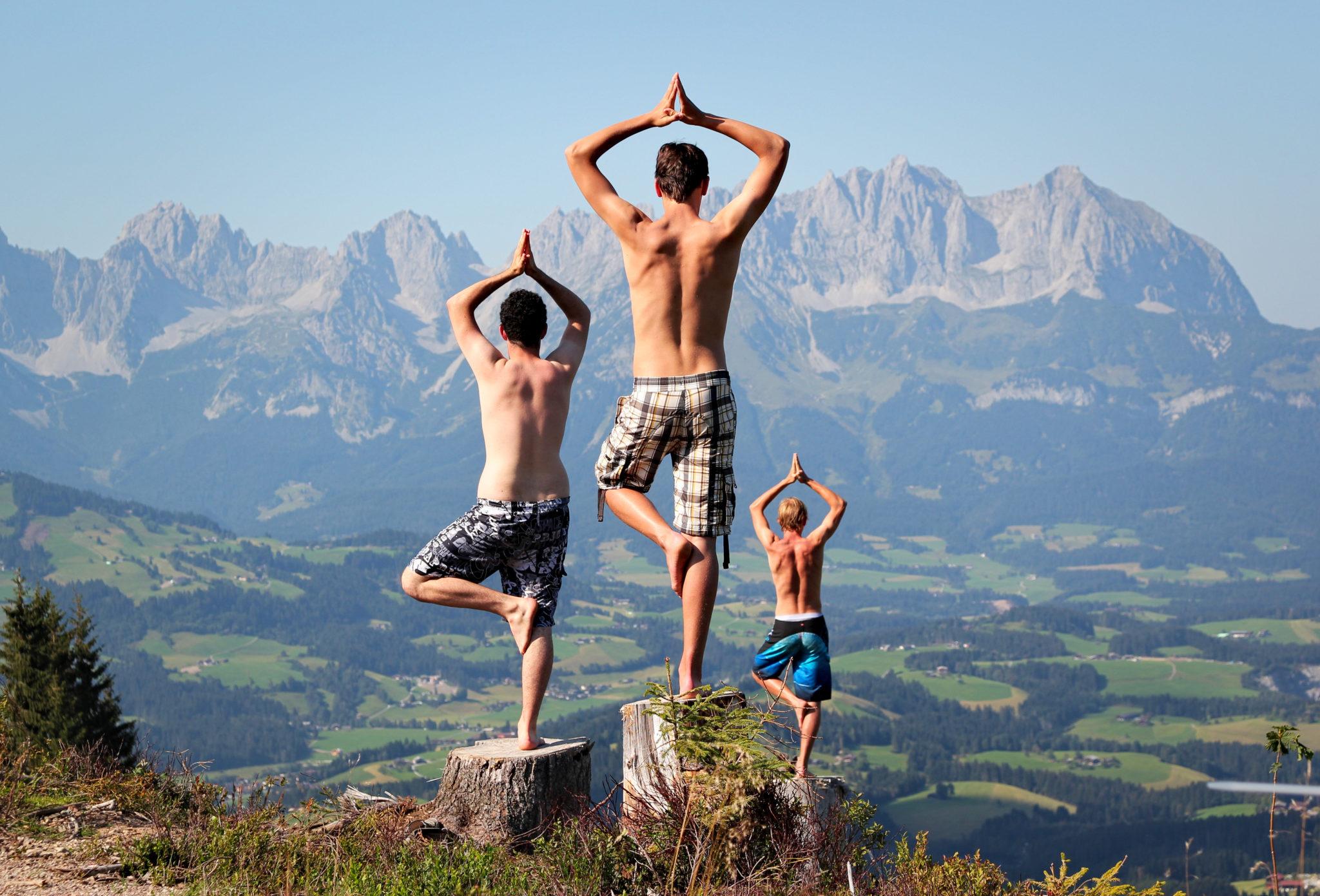 Yoga Session in den Tiroler Alpen