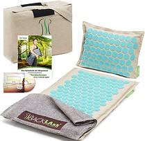 Mit dem Set von BACKLAxx erhältst Du neben der Akupressurmatte, ein Kissen, eine Tasche, ein Tuch, ein E-Book und ein Hörbuch.