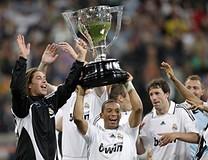 Real-Madrid-La-Liga-Cup