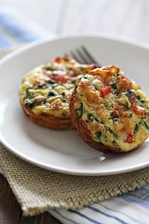 Make Ahead Mini Ham and Spinach Breakfast Pies